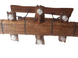 люстра из состаренного дерева с шестью плафонами