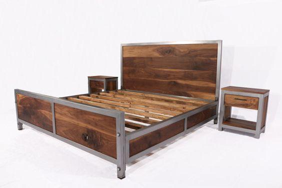 Кровать в стиле лофт из сосны с металлом