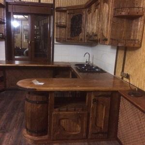 Кухня из массива дерева под старину Герда