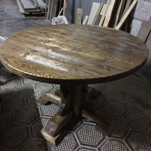 Стол из массива под старину Премьер круглый