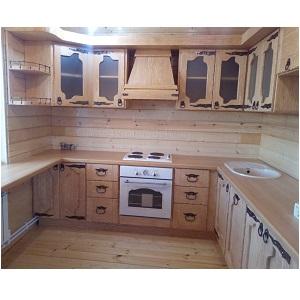 Кухня из массива сосны под старину с ковкой