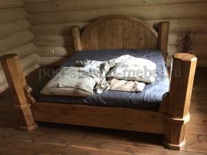 Кровать из массива дерева под старину Екатерина