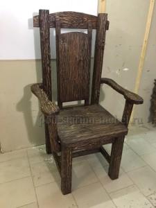 Кресло из массива сосны под старину Президент