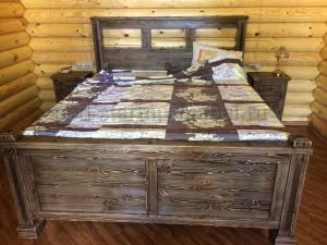 Кровать Кантри из массива сосны под старину