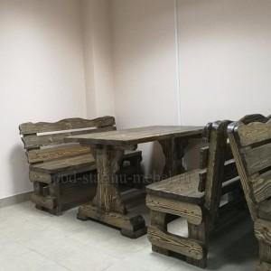 Комплект мебели из массива дерева под старину