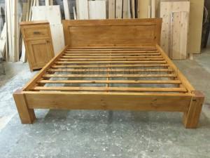 Кровать Осло из массива сосны в скандинавском стиле