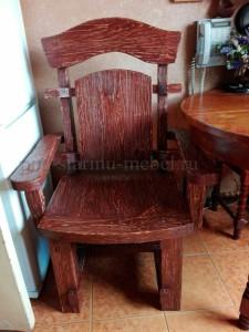Кресло из массива дерева под старину Премьер