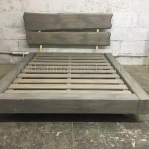 Кровать в стиле лофт со спинкой из слэба