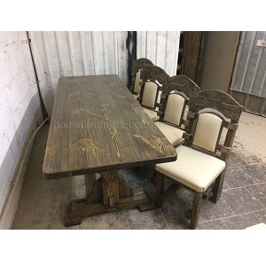 комплект мебели под старину. Стол и 4 стула с обивкой