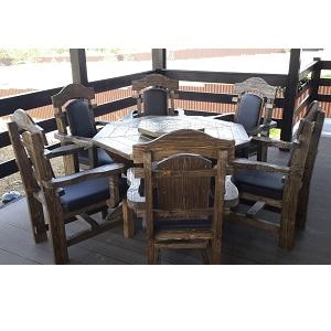 Комплект мебели из состаренного массива сосны с восьмигранным столом