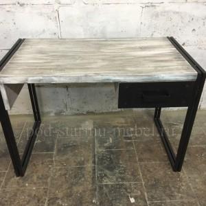 Стол письменный в стиле лофт из массива дерева и металла с металическими фасадами ящиков