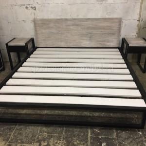 Кровать Ферро в стиле из массива сосны и металла