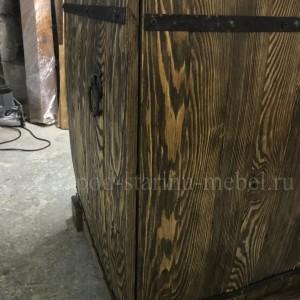 Тумба Егерь прикроватная из массива дерева под старину
