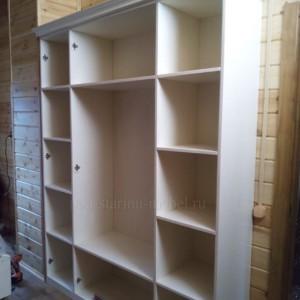 Шкаф в стиле прованс из массива сосны