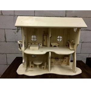 четырехкомнатный домик для кукол из дерева